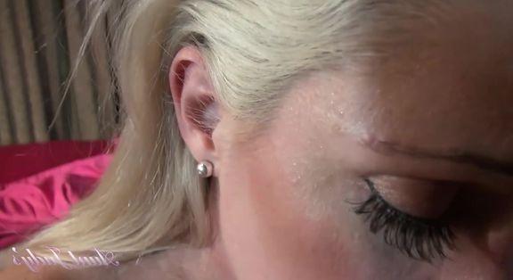 pornhub sarışın pornocu amını siktiriyor