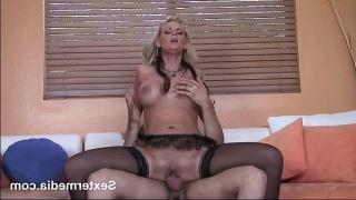 Samanlıkta anal seks yapan çift pornosu