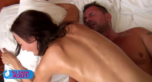 Amatör porno yıldızından amcık şov
